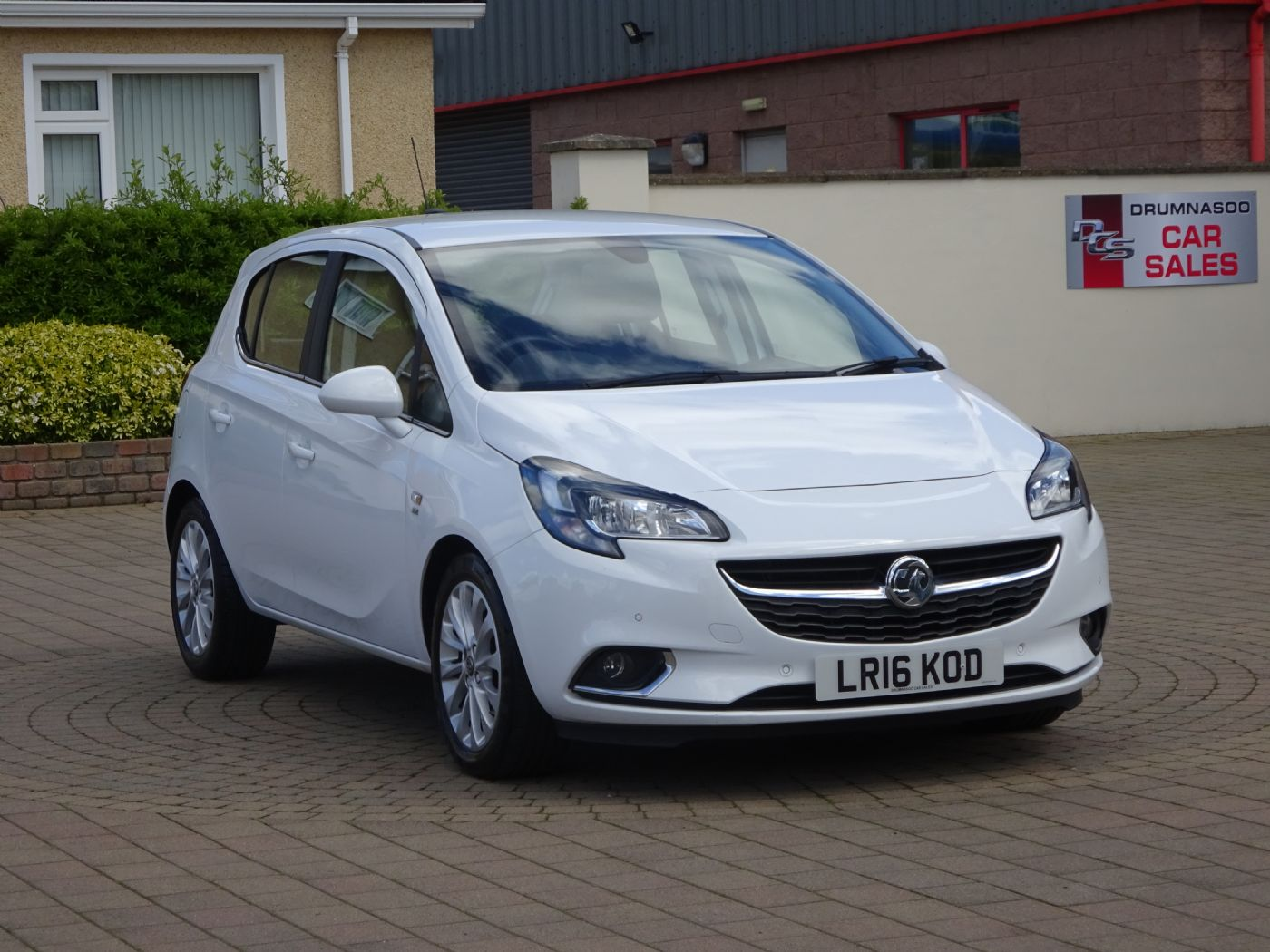 Vauxhall Corsa 1.4 SE 5Dr, £30 Road tax, Parking sensors