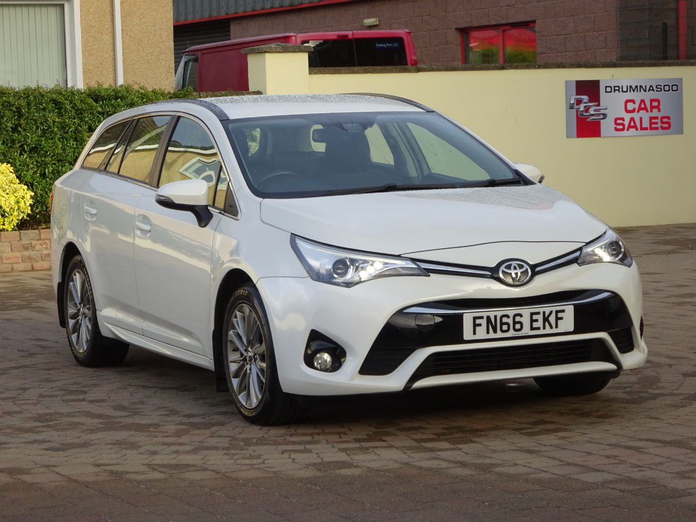Toyota Avensis Business Edition 1.6 D-4D, Sat nav, £20 Road tax