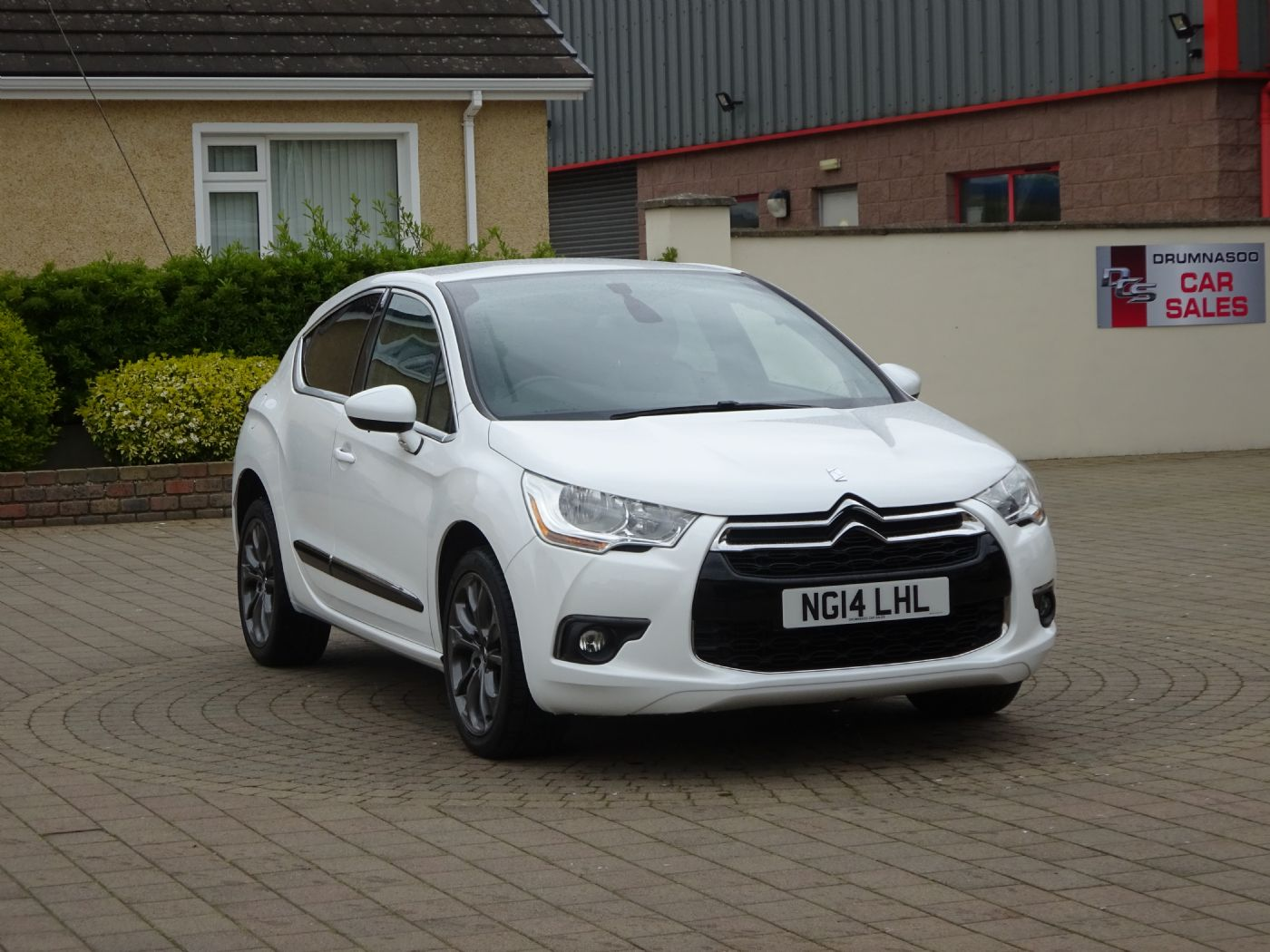 Citroen DS4 Dstyle Airdream 1.6 E-HDI 115, £30  Road Tax.
