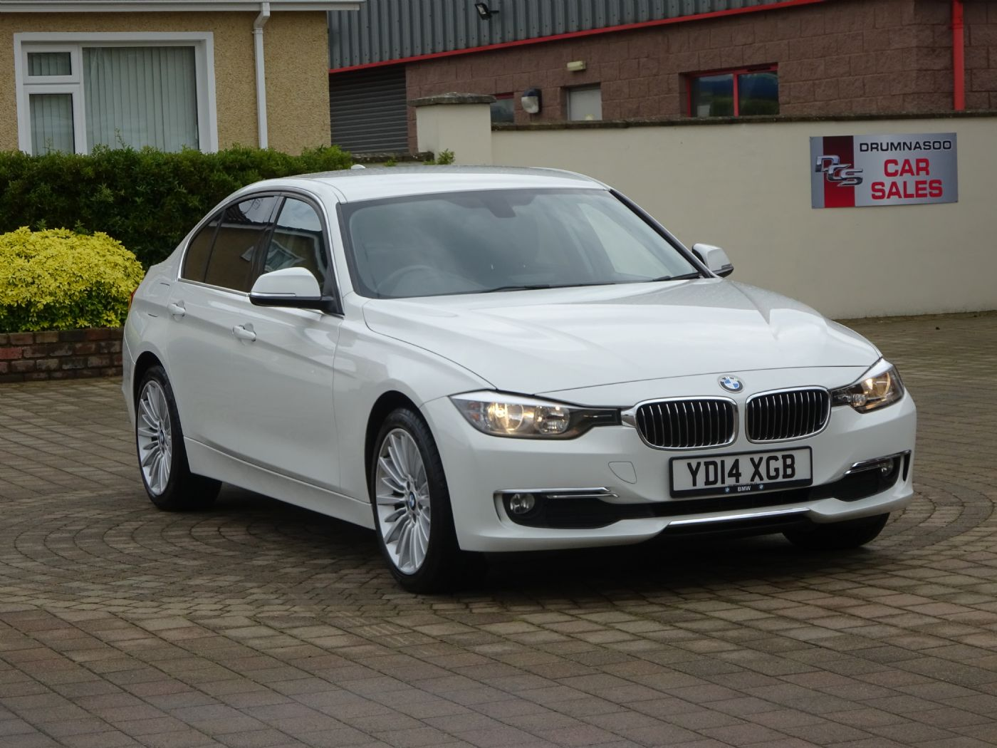 BMW 320D Luxury Auto , £30 Road tax, Sat nav