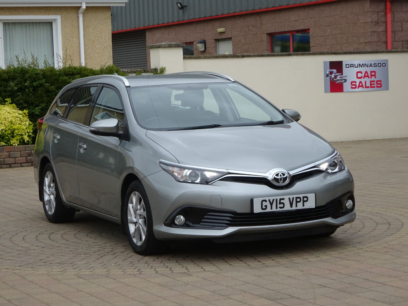 Toyota Auris Icon 1.6  D-4D Estate, Rear parking camera, £20 tax
