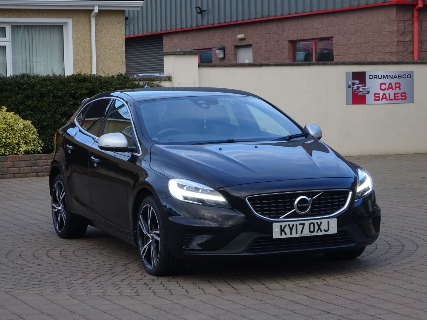Volvo V40 2.0 150 R-Design Pro D3, Leather & Sat nav, £20 road tax