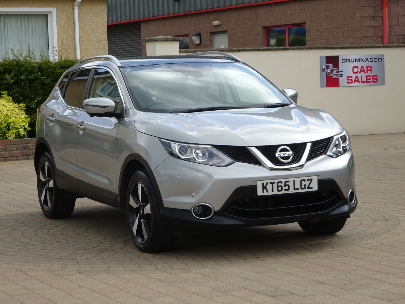 Nissan Qashqai N-TEC + 1.5 Dci Sat nav / Rear camera / Sunroof
