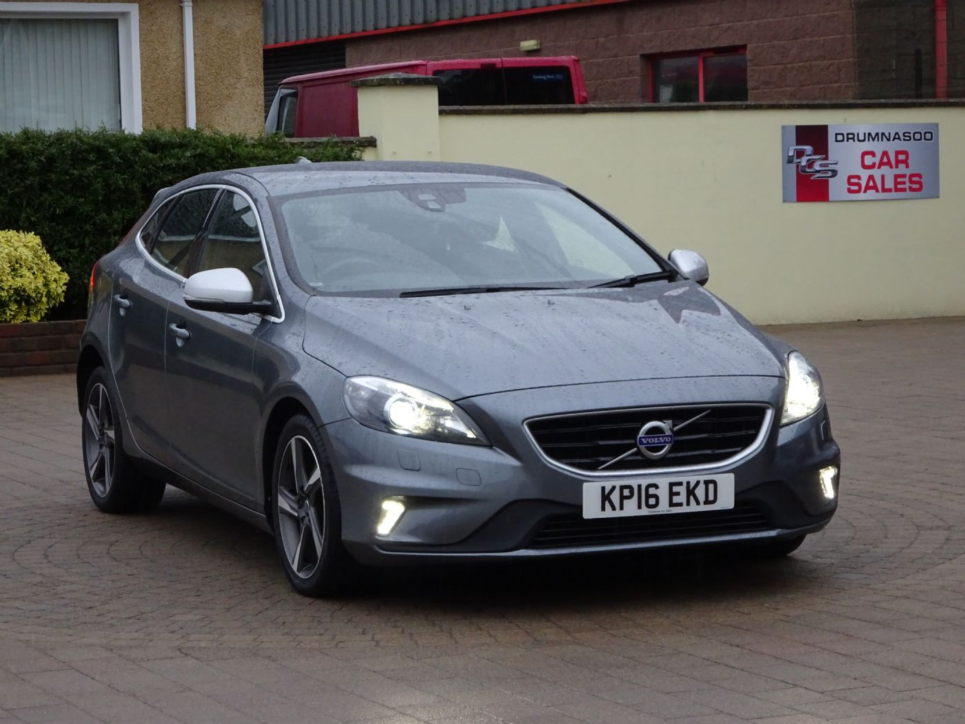 Volvo V40 2.0 R-Design Lux Nav D4, Leather, Sat nav, Zero road tax