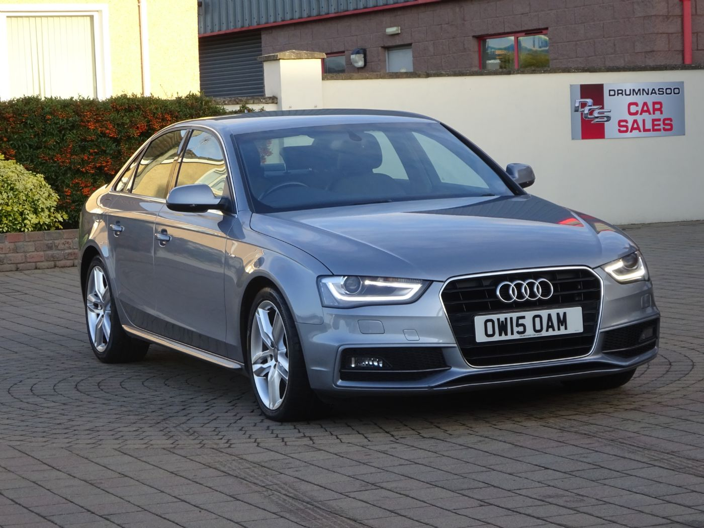 Audi A4 S Line Nav 2.0 TDI 150 Auto, Half leather sports seats