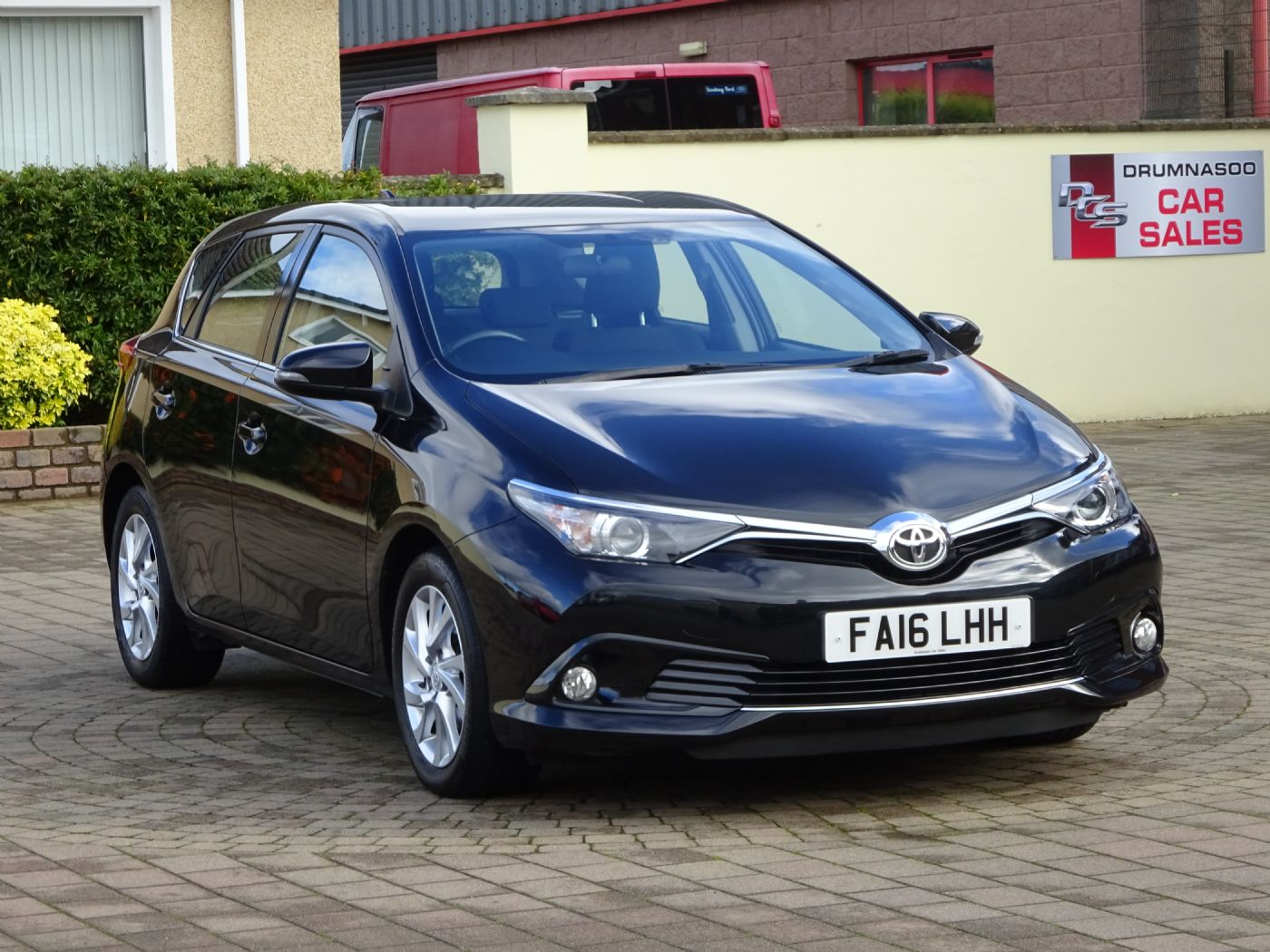 Toyota Auris Business Edition 1.6  D-4D, Nav, Rear camera, £20 tax