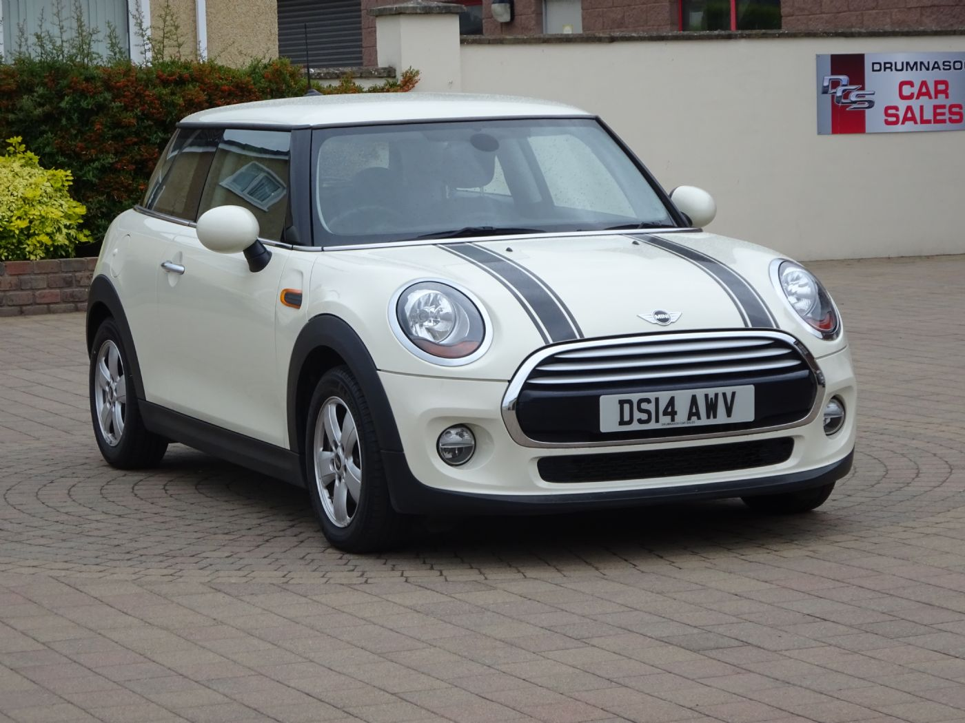 Mini Cooper 1.5, Alloys, £20 Road tax